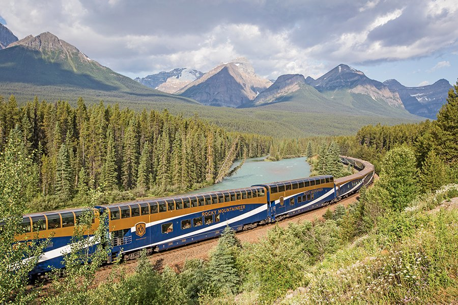 Rocky Mountaineer through Morant's Curve