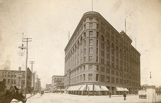 Brown Palace in Denver 1900